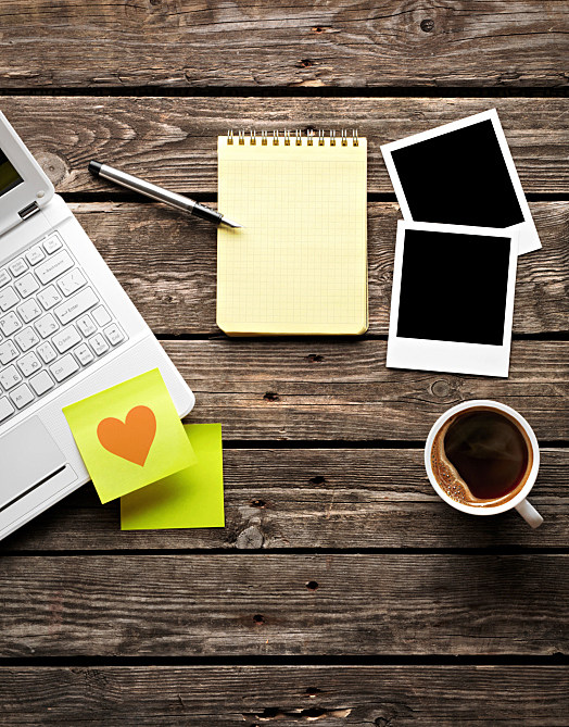 Computer Post it with Heart Coffee - iStock